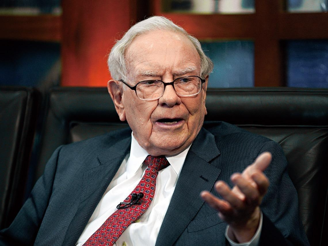 跟巴菲特學投資 股市震盪之際、這檔今年漲逾13% 市場聚焦股神持有的這兩類標的