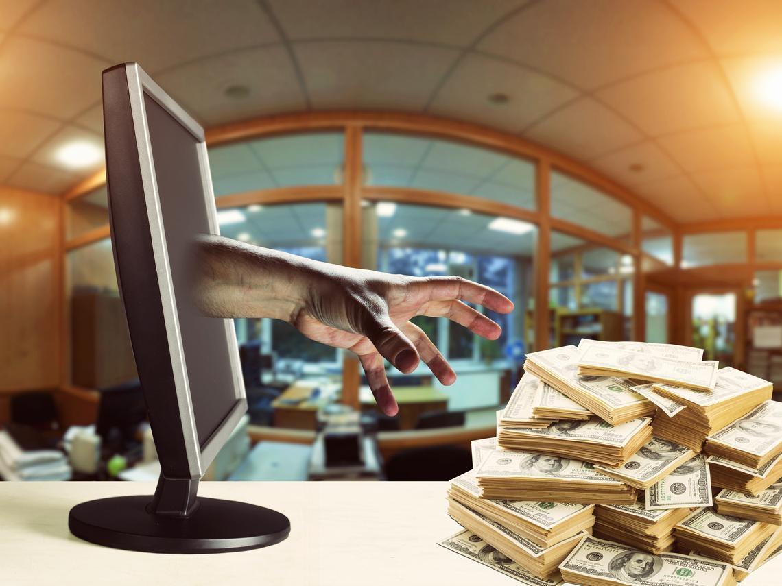 別讓理專A走你的血汗錢!存銀行也要自保,再怎麼信任理專,這4樣東西千萬別交出去