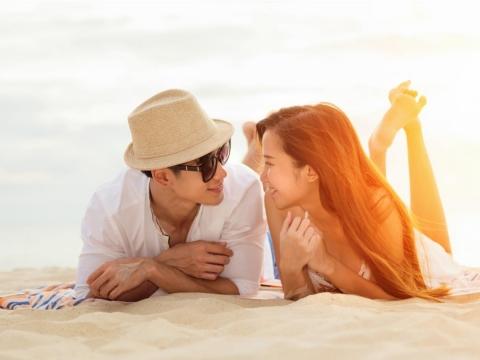 對抗老化、健康美麗的方法!中年後,「談戀愛」使人整個容光煥發,變得更加漂亮
