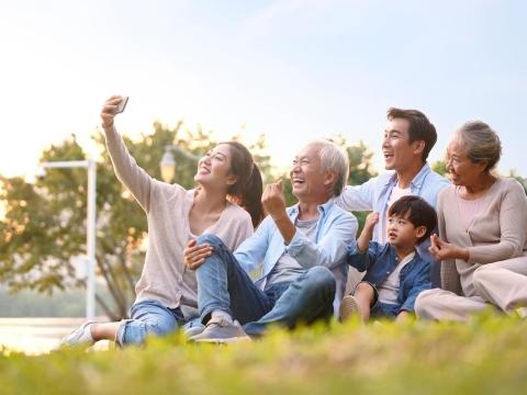 與父母堆疊美好回憶、華麗老去!因為陪伴,學會更正面應對自己的老後