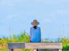 把握當下,幸福就是永恆!11句心語錄:存盼望守候、懷著愛心表達,人生豐富而美好