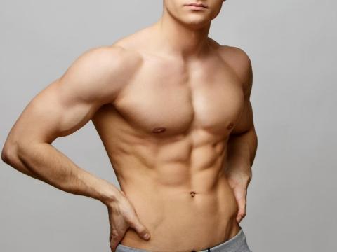 男性乳頭有小硬塊、紅疹,小心不是脂肪瘤是乳癌!醫師提醒6種人要特別注意