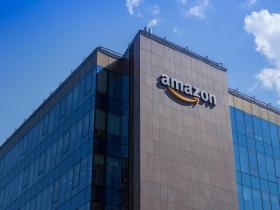 亞馬遜擠下 Google,開發127項綠能計畫,一躍成世界最大綠電採購,背後打什麼算盤?
