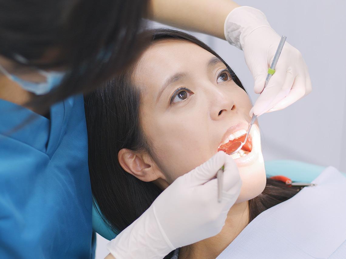 咀嚼功能弱  置之不理恐致腦部退化、肌少症 牙愈少記性愈差  三種補牙方式怎麼選