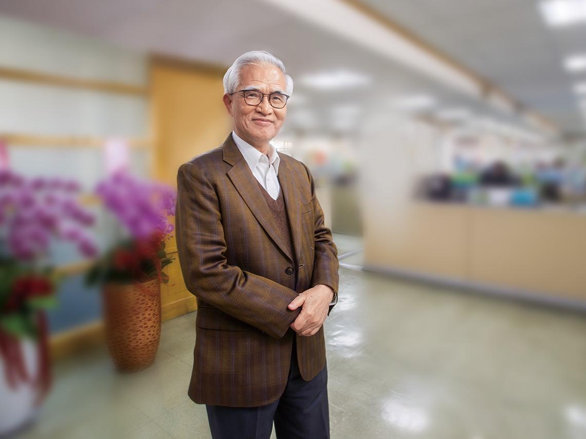 72歲苗栗阿伯接大同新董座,怎麼從最爛基礎開始拚? 「先賣掉辦公室這高級牛皮沙發!」