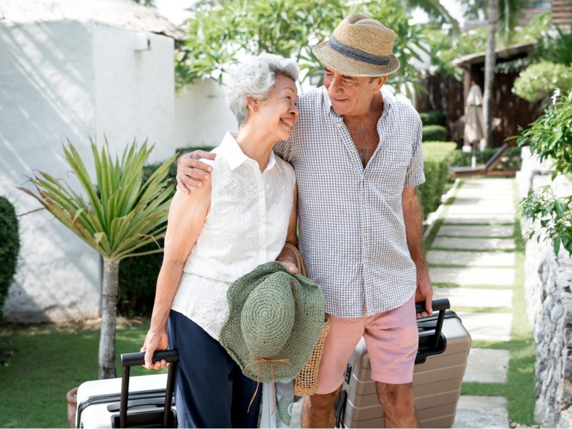60後不買房,能靠股息住飯店養老?專家教這招,退休年提200萬、還能再花30年