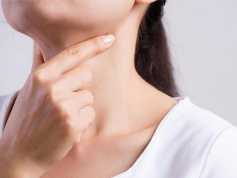 甲狀腺亢進、低下,是免疫問題!10種症狀與8飲食建議、地雷搞清楚,有助分泌穩定