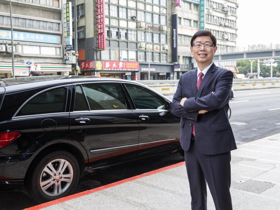 3年內鴻海從手機轉攻電動車 看劉揚偉如何利用5大戰略3布局創造「贏家方程式」