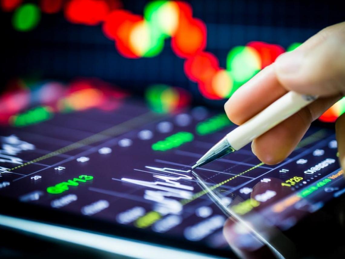 那斯達克陷修正、道瓊指數卻續創新高 科技股賣壓沉重 價值股漲勢能持久?