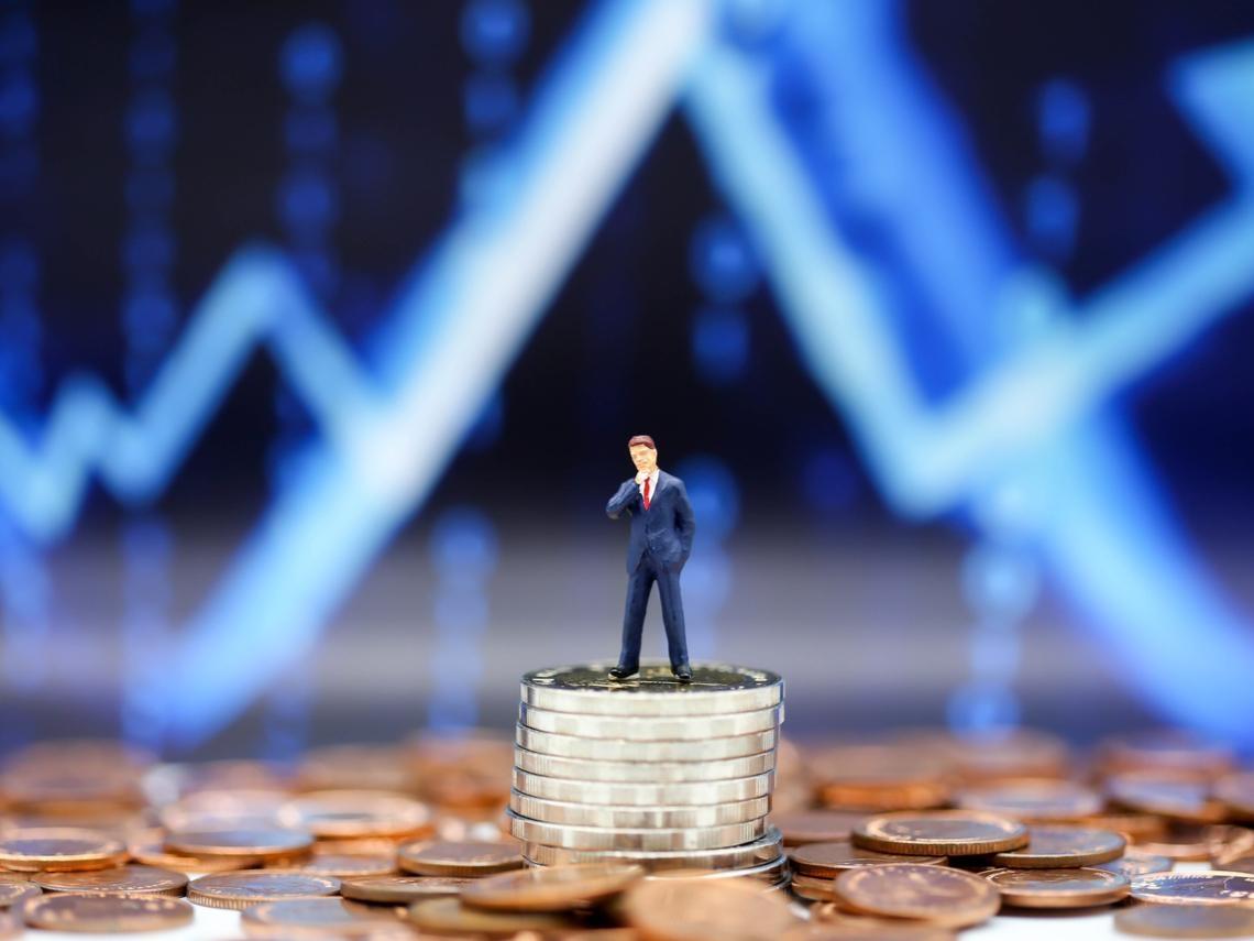 每個月滔滔不絕的保費都哪去了?一窺股市低調富豪,壽險資金默默佈局的20檔「穩健股」