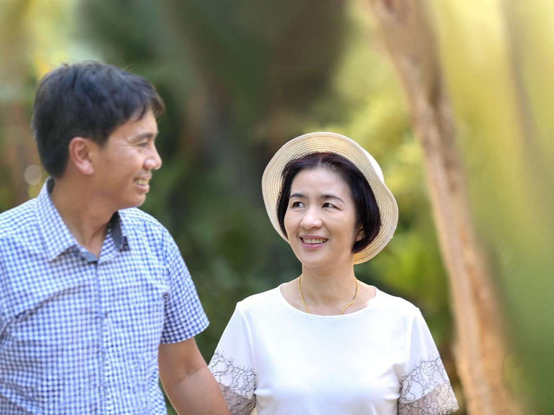 他們恩愛30年,現在卻吵到要離婚!醫:5個常見病癥,恐是早發失智合併嫉妒妄想