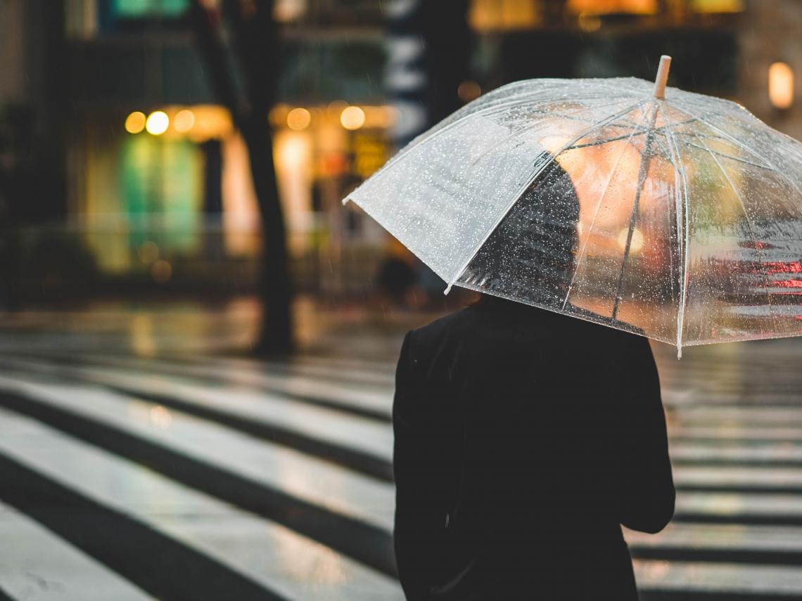 雨水來了!這天「狂降12度」轉濕冷 冷氣團會報到?專家解答
