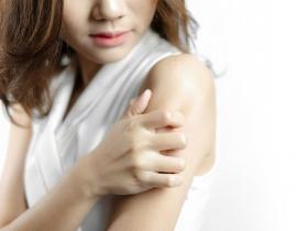 濕疹紅腫乾癢,是體內濕氣太重!白雁:每天3分鐘這樣做,改善反覆發作皮膚癢