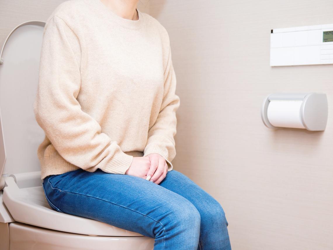 女生上完廁所怎麼擦?溼紙巾較乾淨? 內婦科權威教私密處保養秘笈,遠離病菌感染