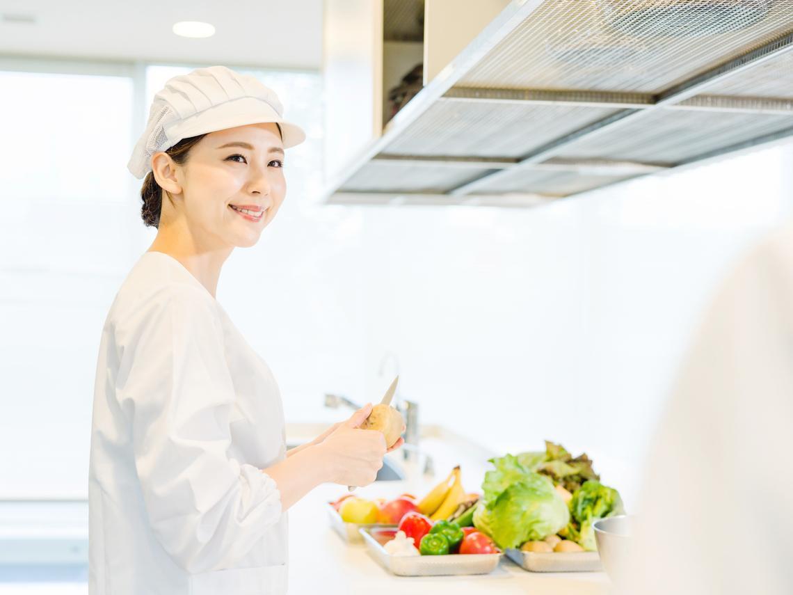 全世界最偉大的人,就是廚師!用一只鍋鏟就能造福世間,帶來原始純粹的幸福滿足