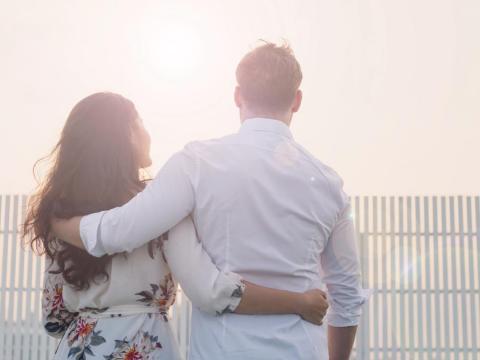 夫妻一起吃飯,是生活情趣!我們越來越懂得溝通、體貼與分享,而她也變得比較柔軟