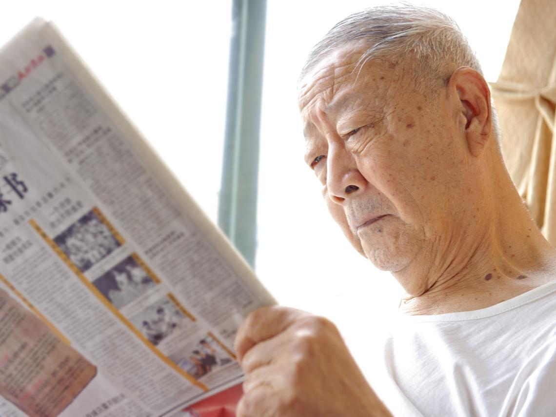 死守「套牢放、獲利賣」就會賺?友達、群創...80歲老翁20年股海「賺千萬」,給我們的投資警醒
