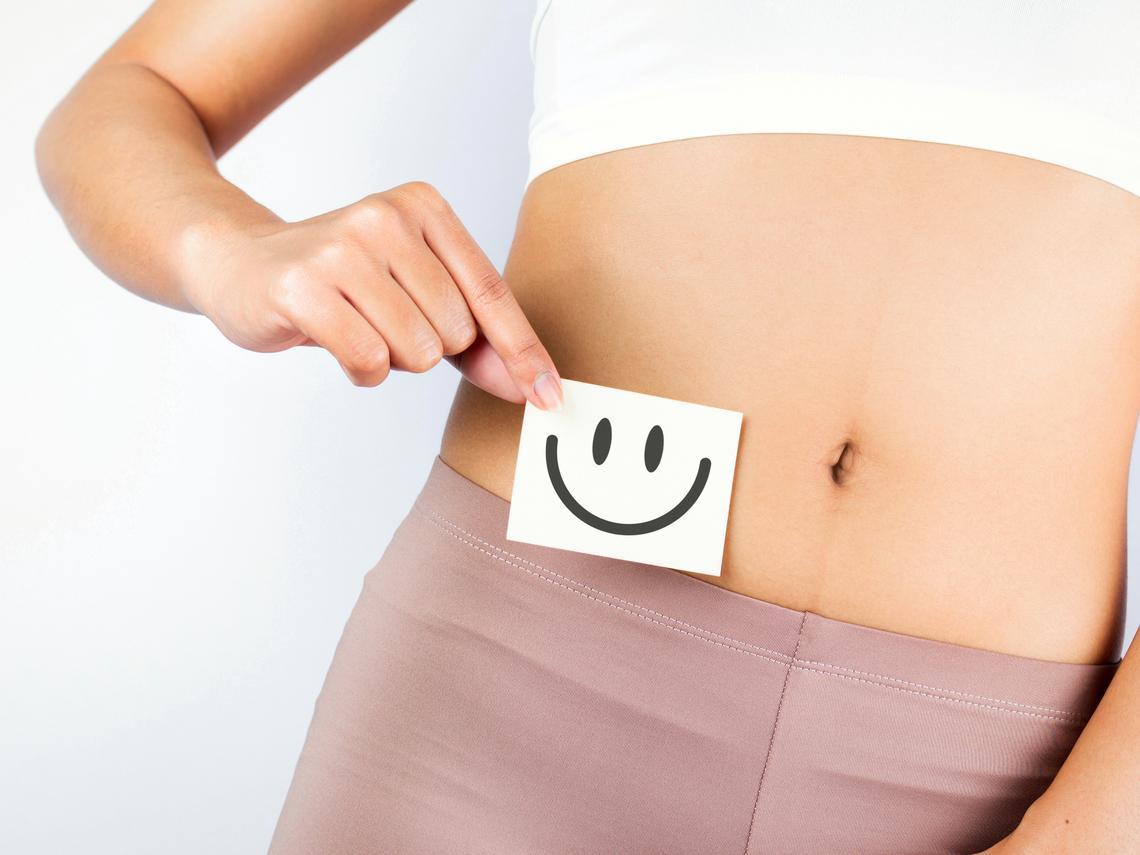 胃痛胃脹、胃炎反覆發作,要「暖胃驅寒」!白雁教每天「養胃3分鐘」,減少消化不良