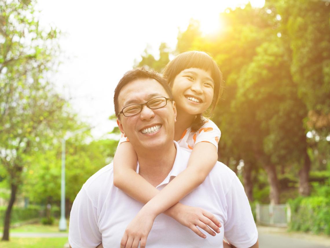 賣掉千萬房和公司股份,狂爸花5年帶2歲女兒環遊世界:再不陪她,她就長大了