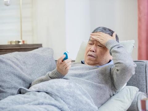 急性白血病60歲後好發!三大快速索命特性,醫:不明發燒等4大病徵速就醫檢查