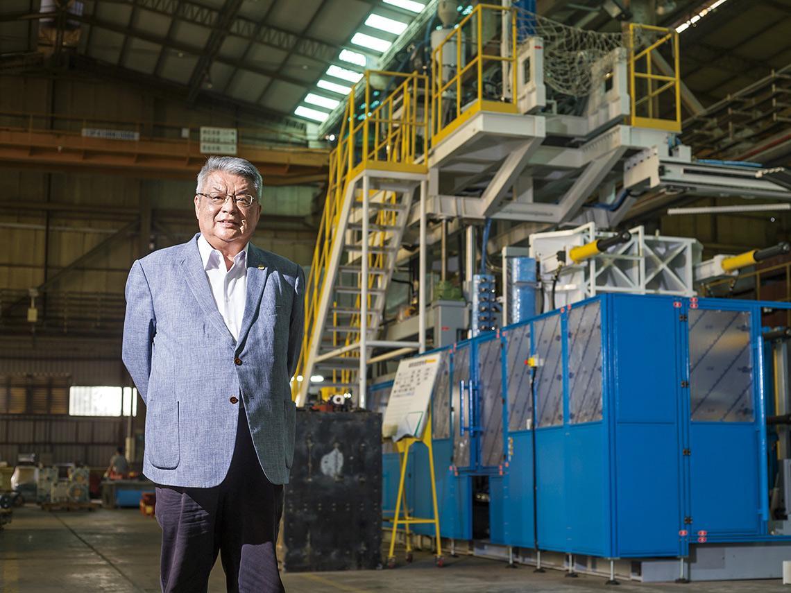 塑膠袋機器大王 兆元機械業變聰明靠他