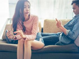夫中年外遇不斷,當老師的她也找小王,卻盼夫回頭!想扮假面夫妻,是人生混沌源頭