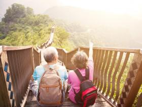 想靠存股領息退休,好怕股市崩盤!退休後操作以「睡得著」當標準,這樣做能更安心