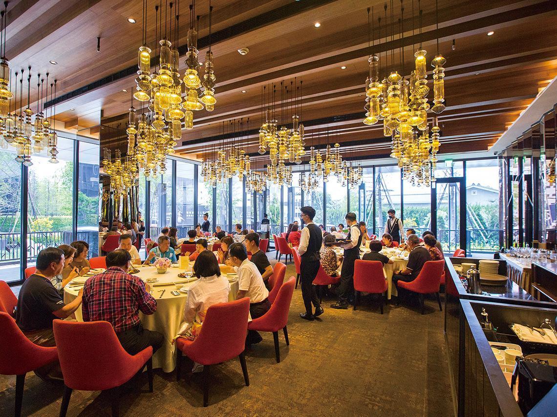 一桌破百萬元! 開箱台中上流餐飲:一群吃貨老闆集資5億打造「一級饗宴戰區」,比天龍國更奢華