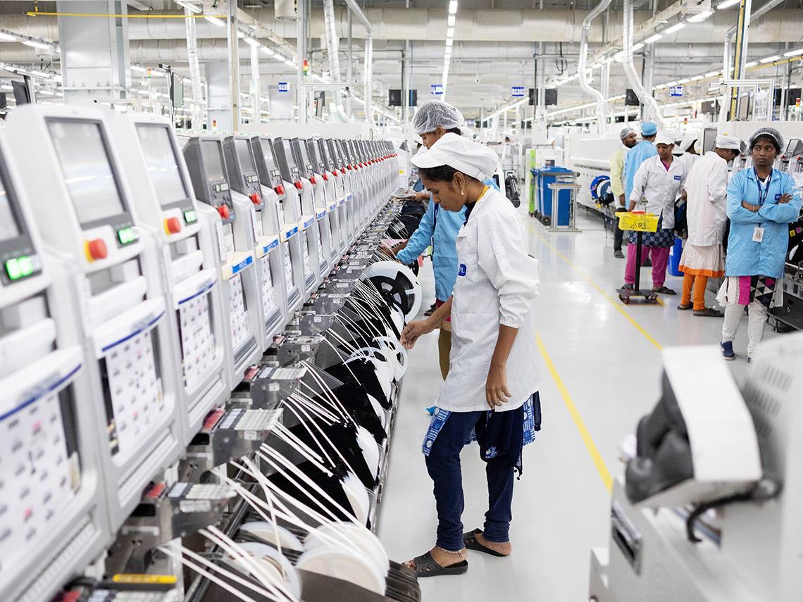 鴻海、緯創、和碩……台廠供應鏈也頭痛 晶片荒、印度產能急凍 蘋果遇兩大逆風