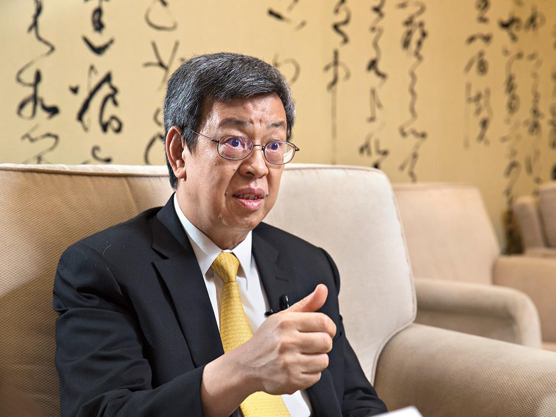 權威觀點  專業+經驗 公衛學者、前副總統有信心 陳建仁:病毒很聰明,但這一關 台灣人能靠責任心和自覺度過