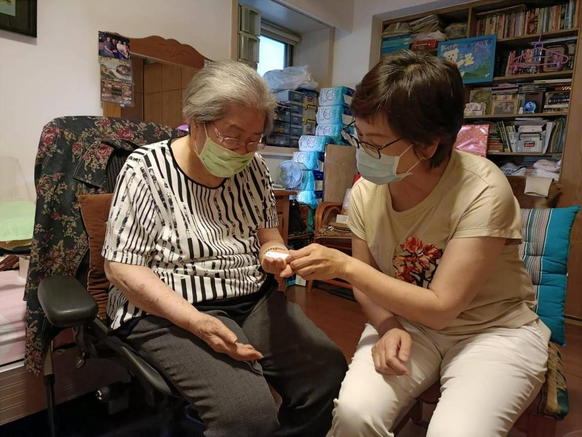 96歲嬤血氧掉剩70... 堅持不打疫苗理由曝光! 「我老了,這一劑要留給年輕人用」