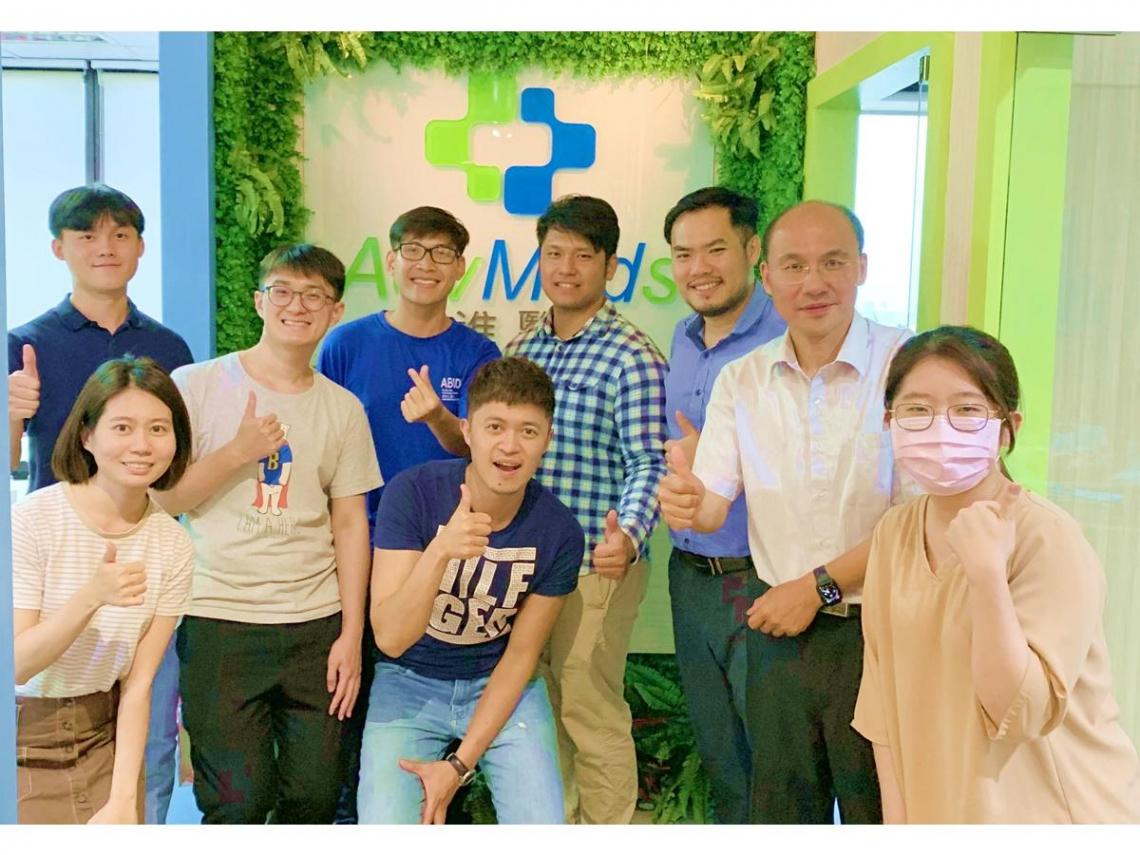 不當醫生也能助人!新創業者分享甘苦 東南亞學子跨國取經