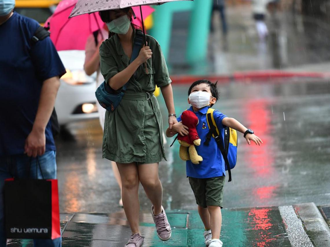 「南→北」大雨連炸3天預備! 專家:2地區防「又大又急」梅雨 水庫進帳超有感