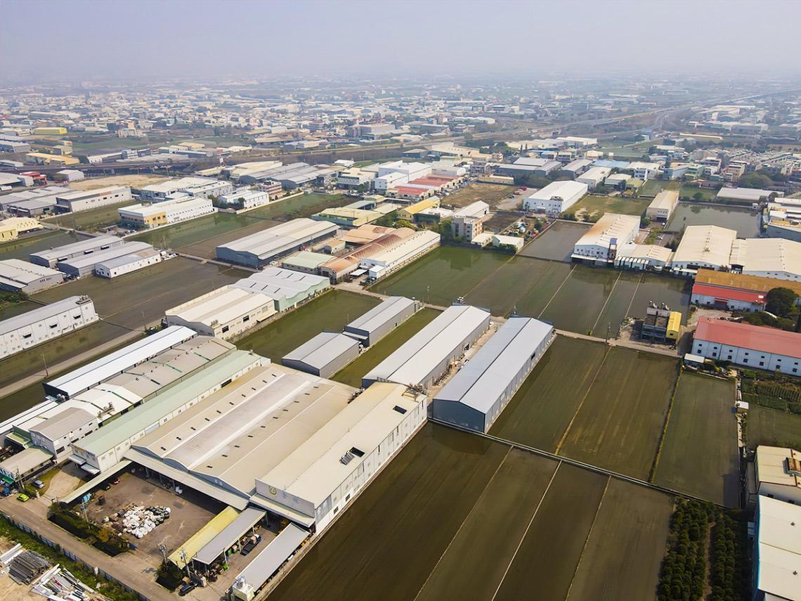 6000家合法丁建工廠恐一夕間變違法,拆除農地上高汙染工廠還有更好解方?