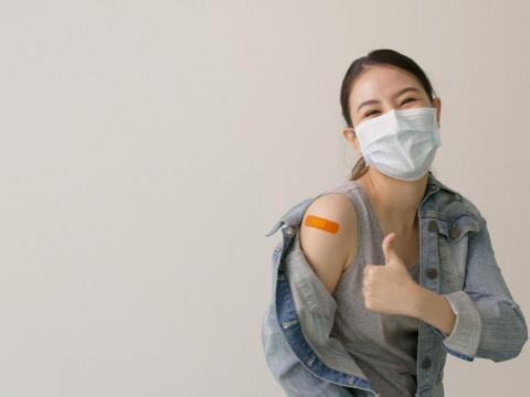 1千萬劑BNT疫苗快來了,兩表掌握何時輪你打!40歲以上最快「這月」就能接種