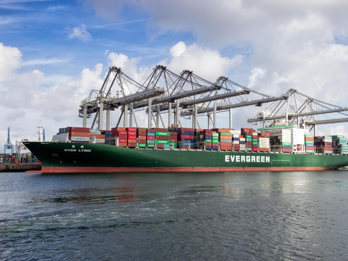 長榮、陽明、萬海...貨櫃三雄股價劇烈震盪!三大關鍵因素,看懂航海王會不會變成鐵達尼?
