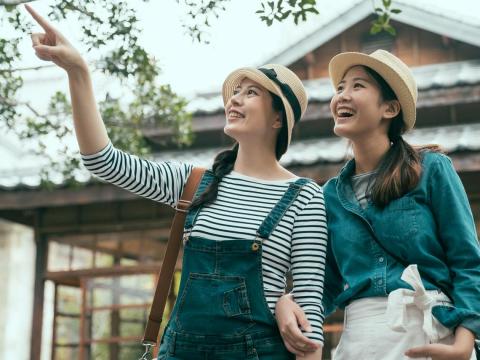 不依賴子女,老友作伴住附近、相互照顧!「共老」概念正流行,幸福圓滿第三人生