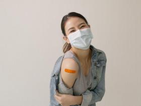 300萬台灣人未來4周都打AZ!醫列「亞洲人9副作用」:藥氣在走,越年輕越明顯