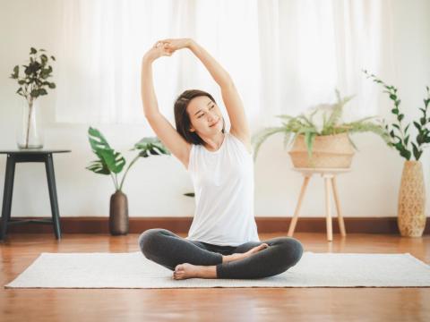 小腹竟然就這樣不見了!掌握「在家運動也很有效」的技巧,遠離肥胖、找回身體活動力