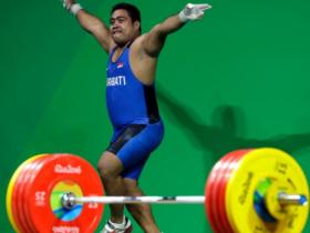 舉不起來就跳一波!奧運選手落敗仍跳「開心舞」,背後原因有洋蔥