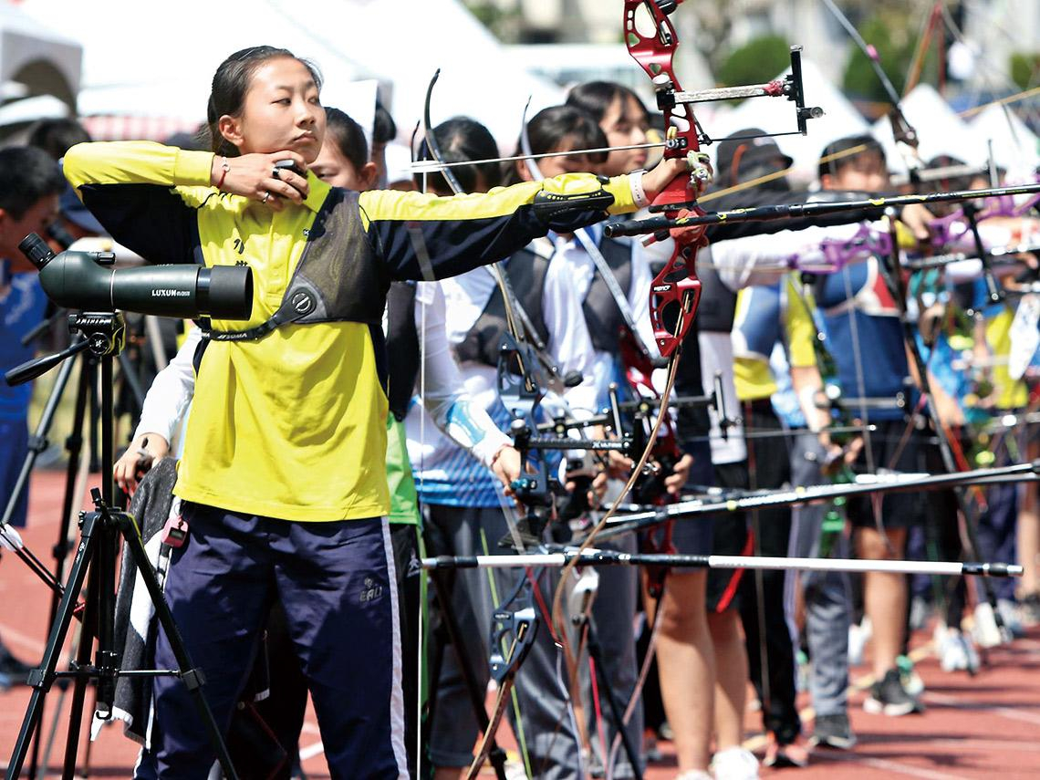 最佳典範〉小眾運動靠企業支持茁壯 射箭協會催生聯賽 選手超感心