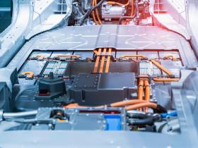 電動車用的「鋰離子電池」,為何常出現起火疑慮?