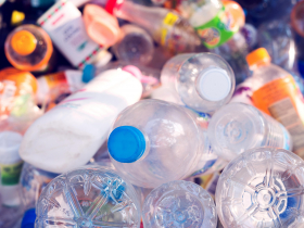 塑膠/資源回收標誌1-7號(PET、HDPE、PVC、LDPE)霧煞煞?秒懂資源回收標誌