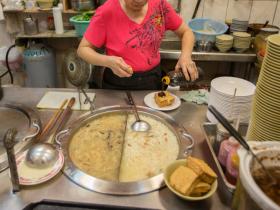 「一碗麵才多少錢,要求什麼衛生?」台灣人「銅板價思維」不改,老闆手指就會一直插在湯裡