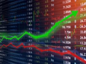 明明下半年營收很漂亮,為什麼股價老是上不去?理財教母林奇芬:金融市場3挑戰讓股市震盪成常態
