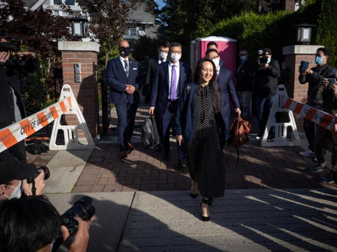 「華為公主」孟晚舟囚3年獲釋 重獲自由「抱律師痛哭」! 遭中國關押2加拿大人今返國