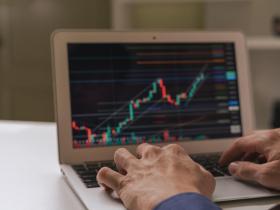 錯失40年中報酬率最好的50天,你的資產就比留守的人少了93%!想增加投資績效你得先懂4件事