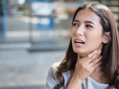 喉嚨痛又常痰卡卡,脖子「氣瘀」出毛病!白雁教舒緩頸部僵硬感,不舒服就能全改善