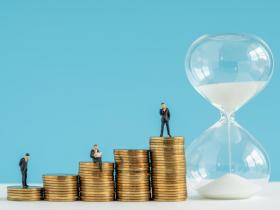 原本想辛苦10年後就能提早退休...會計師的財務自由反省:一天只工作4小時,卻害我踏入高時薪陷阱