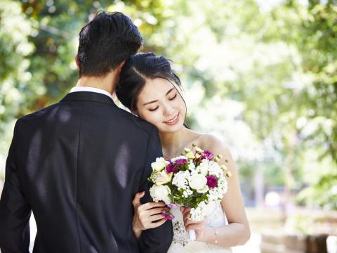 一句不讓妳吃苦、她中斷學業嫁給他,現在卻被嫌不長進!夫妻關係失衡,這樣找回「完整的妳」